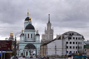 Москва. Улица Сергия Радонежского. Вид на запад.