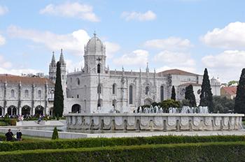 Португалия. Лиссабон. Монастырь Жеронимуш (Mosteiro dos Jeronimos). 2017.