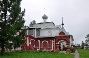 Ярославская область, Углич, с Улейма. Николо-Улеймин монастырь. Троицкая надвратная церковь 1713 г.
